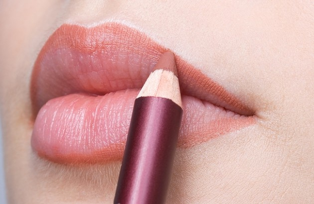 pink-lip-liner-630x410